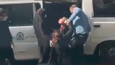 تصویر درنگی در برخورد پلیس با شهروندان